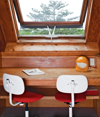 risom-residence-desk-by-window