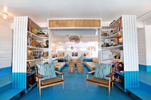 surf-lodge-inside