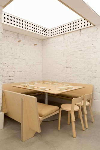 Cho-Cho-San-Contemporary-Japanese-Restaurant-in-Sydney-by-George-Livissianis-Yellowtrace-02