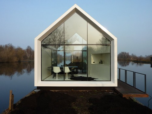 Dutch-Contemporary-Tiny-House-by-2by4-architects-5
