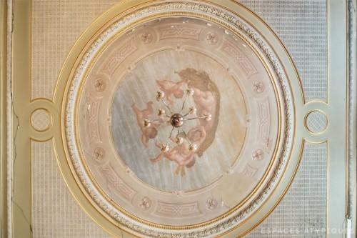 148EM-Surface-bourgeoise-a-rénover_02-1024x682