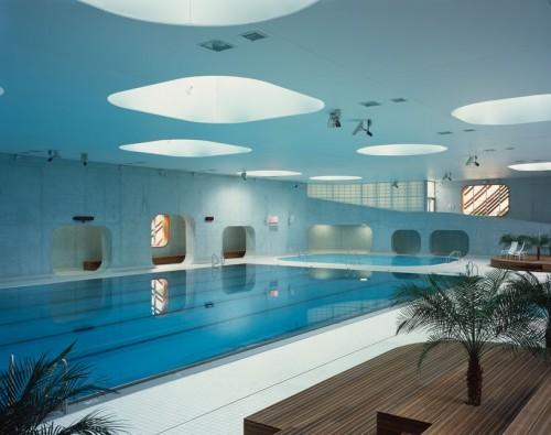 mikou-studio-fort-swimming-pool-paris-designboom-03-818x647