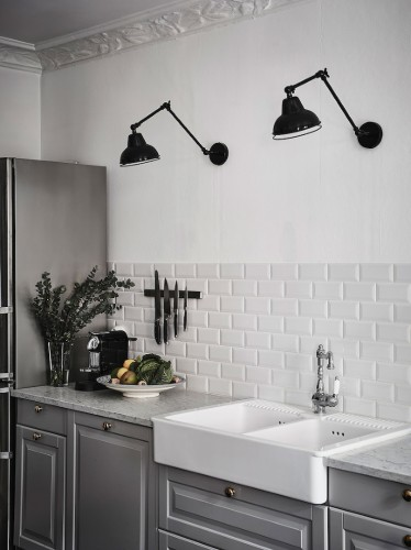 butlers-sink-grey-cabinets(pp_w740_h989)