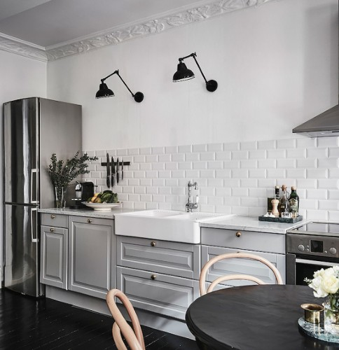 grey-and-white-kitchen(pp_w740_h764)