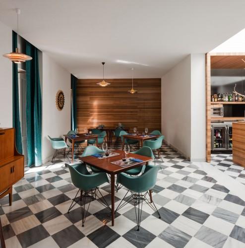 El-Tragaluz-Restaurant-by-Adolfo-Perez-Lopez-Yellowtrace-09