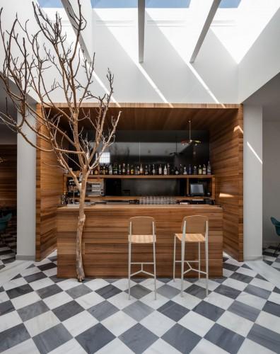 El-Tragaluz-Restaurant-by-Adolfo-Perez-Lopez-Yellowtrace-12