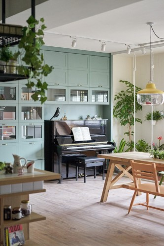 hao-design-taiwan-house-plants-piano-gardenista