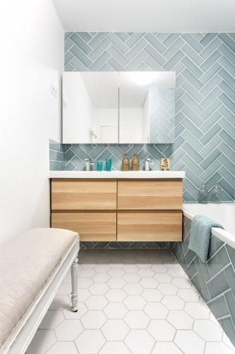 salle-de-bains-graphique-vert-d-eau_5640575