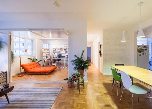 oscar-freire-apartment-claudia-bresciani-julia-risi-sao-paulo-brazil-pedro-vannucchi-a_dezeen_2364_ss_0