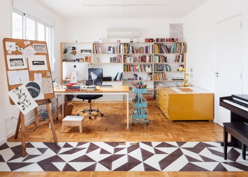 oscar-freire-apartment-claudia-bresciani-julia-risi-sao-paulo-brazil-pedro-vannucchi_dezeen_2364_ss_1