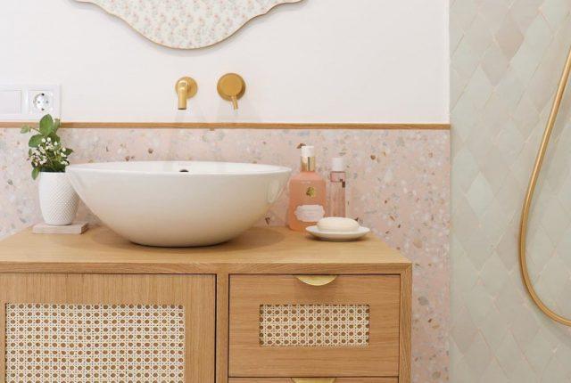 Enola-baño-Paula